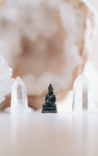 AM_roze_kristallen_buddha